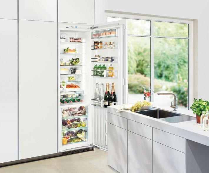 Der Einbaukühlschrank IKBP 3550 Lässt Sich Besonders Leicht Und Bequem  Bedienen.