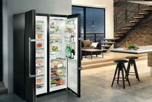 The Liebherr BluPerformance Side-by-Side SBSbs 8673, as well as the new BluPerformance fridge/freezer combination CBNPes 5758, receive the iF Design Award 2017 for Product Design.